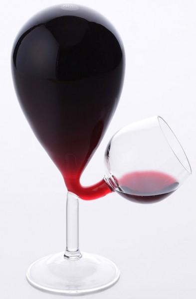 ボトルとグラス一体型でワインはさらに美味しく「共栄デザイン グラスタンク」
