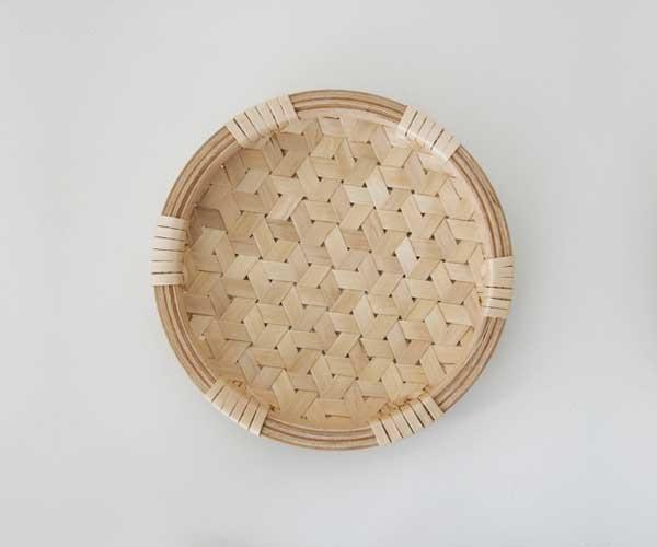 惚れぼれする丈夫な手工芸品「イタヤ細工」