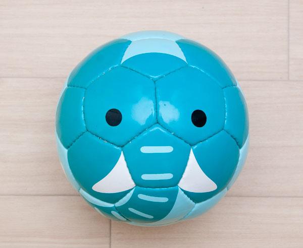 心がほっこりする動物顔の小さなサッカーボール「sfida zoo football」